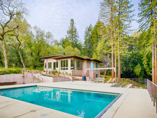Secluded 4BR, 4BA w/ Pool in Sonoma's Redwoods