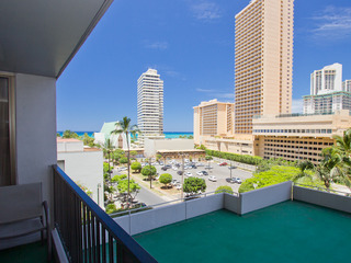 Waikiki Banyan Tower 1 Suite 712