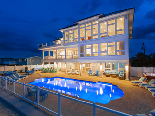 Blue Horizon (10 Bedroom home)