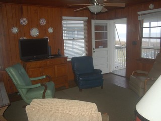 Cool Air Cottage, Up- Classic Oceanfront Charm AND Pet Friendly