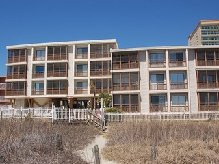 Crescent Beach Villas, Unit 108