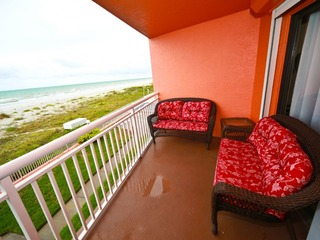 Chateaux Beachfront Premium Condo # 108