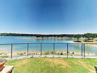 Lake-View 3BR/3.5BA Villa w/ Outdoor Lounge & BBQ