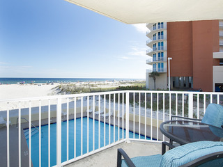Stunning 2BR Beachfront w/ Pool