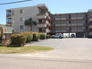 Crescent Beach Villas, Unit 106