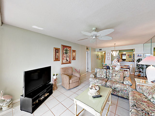 Updated 2BR in Boca Ciega Bay Resort