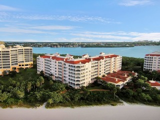 HIDEAWAY BEACH PENTHOUSE 0 BEACHFRONT, GATED COMMUNITY, AND LUXURIOUS!