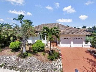 IVORY CT. 910 4 BR, 3 BA, POOL HOME ON WATERFRONT