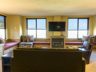 Deluxe condo in newly remodeled Grand Summit Hotel