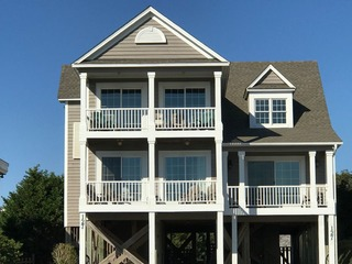 Live Oaks House at Holden Beach