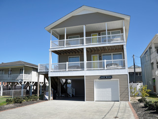 Easy Wind 5BR home & pool, great ocean views very clean!