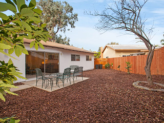 Quiet 3BR Home Among Citrus Trees