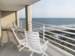 NORTH HAMPTON 1105 3 BEDROOM 3 BATH OCEAN VIEW