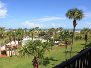 Fall special! 2 Bedroom townhouse style condo with ocean views, beach access, parking and 2 pools (1 heated)