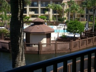 Fall special!- 3 Bedroom condo in gated complex with beach access, and 2 pools (1 Heated)