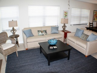 Bright and Spacious 3 bedroom ocean front, ground floor condo, next to County park for privacy