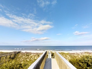 HUGE 11 bedroom Ocean front home with plenty of Parking, Perfect for family reunions, retreats. or just privacy!