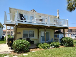 Fall special! 3 bedroom Coastal Cottage with community pool, parking and boardwalk to beach