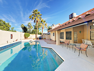 Roomy 3BR- Pool, BBQ, Patio Dining