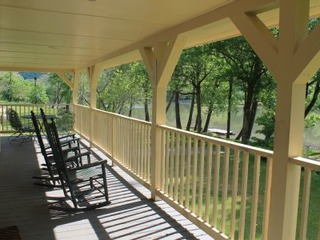 Getaway to the Lake!- Lazy Lake Landing- Sleeps 8