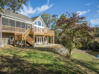 5 Bedroom Newly Built Waterfront Home on Claytor Lake- Great Views!