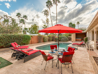 Beautiful North Scottsdale Home With Heated Pool & Spa! Close to Old Town & Fashion Square!