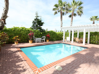 Endless Summer- Private home 50 feet to beach access