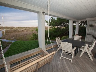 6506 A Oceanfront Cottage