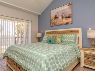 Dolphin 27: Casual FAMILY townhome just steps from the BEACH w/ POOL & HOT TUB!