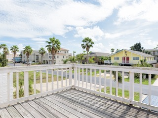 Casa Meyer: PRIVATE BEACH HOUSE, ½ block from beach, perfect for LARGE FAMILIES!
