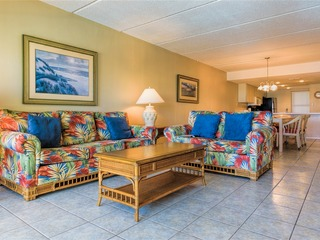 Saida 3404: BEACHFRONT resort w/ 3 POOLS, HOT TUBS, GREAT VIEWS & BEACH access!