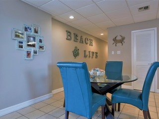 Galleon Bay 407: BAYFRONT condo w/ VIEWS, POOL, HOT TUB, PIER, & BOAT SLIPS!
