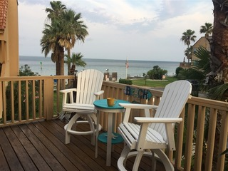 La Solana 110: WATERFRONT 2 level townhome condo & BOATSLIP! 2.5 blks to BEACH!