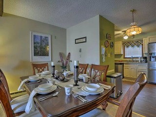 Camelback Mtn Townhome Near Ski/Zip Line/Aquatopia Waterpark