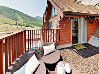 Ski-in/Out 3BR w/ Hot Tub & Fitness Center