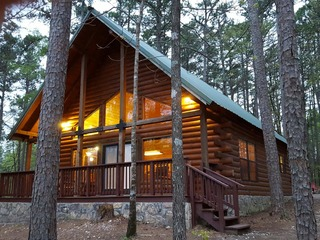 Wagon Wheel Cabin Broken Bow