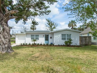 Salt Runner: Updated 3/2 home with Private Pool and walking distance to Historic Downtown St Augustine