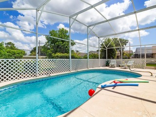 Ideal Vacation Home with private pool minutes to Disney!