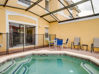 Beautiful Townhouse Private Pool and Resort Amenities! E8569