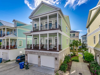 """Paradise Breeze"" 305 SB (5 Bedroom, Sleeps 15)"