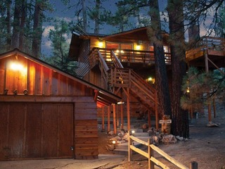 027 Treetop Lodge