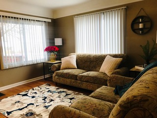 Mansfield Manor- Clean and Comfortable Near Auburn Hills