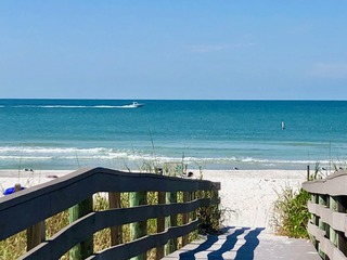 Indian Rocks Beach Pelican House & Units 5 to 7 By Tech Travel