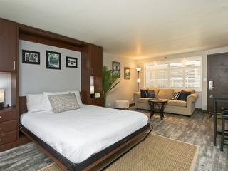 Diamond Head Beach Hotel 303