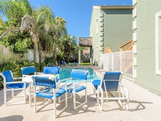 Waves 6: Tranquil & tropical FAMILY condo, close to the beach & to Padre Blvd!!