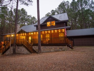 Firewater Creek Lodge- (5 Bdrm) (High Lux)(HOT TUB)