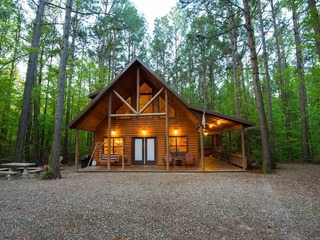 Dancing Rabbit & Tipi (2 Bdrm)(Luxury Cabin)(HOT TUB)