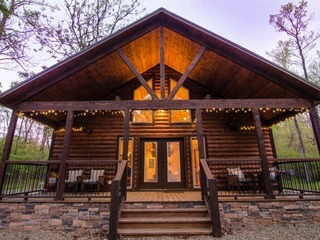 Twilight Divine(1 Bdrm)(Luxury Cabin) (HOT TUB)