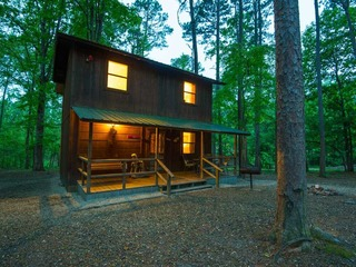 Beau Cabin (1 Bdrm) (Hot Tub)