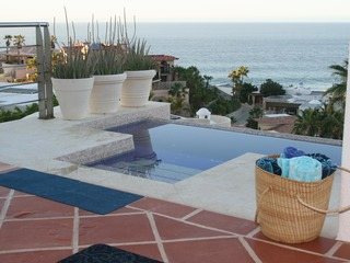 Villa Rana 5BR: Infinity Hot Tub, Pool, Walk to Beach, Views
